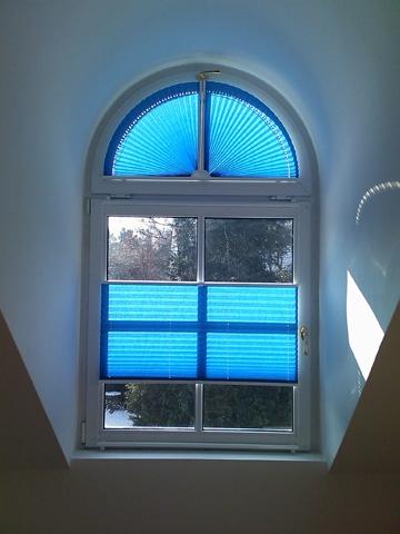 Plissee bilder beispiele von plissees f r und von kunden - Fenster abdunkeln ...
